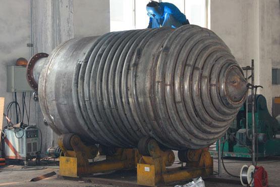 不锈钢锥形半圆管夹套雷电竞注册釜设备