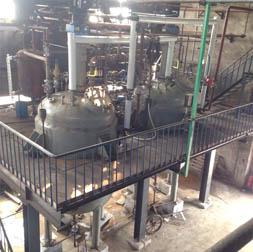 为河北一家化工厂设计制造的9100L的2台不锈钢雷电竞备用网站加氢雷电竞登录网址